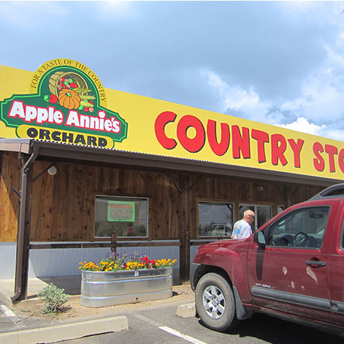 Stop in for delicious baked goods and Apple Annie's Country Store in Willcox, Arizona!